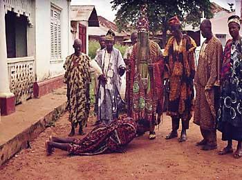 a-man-greeting-a-yoruba-king-oba1